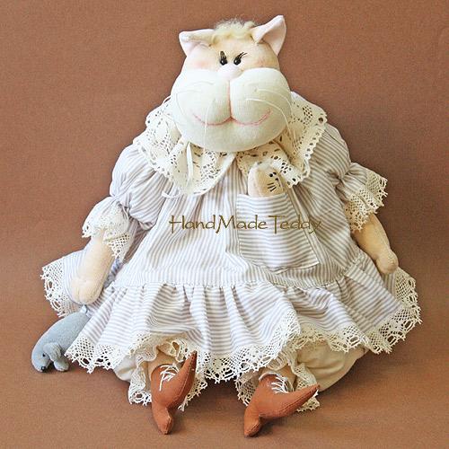 Кошка Маркиза  малая